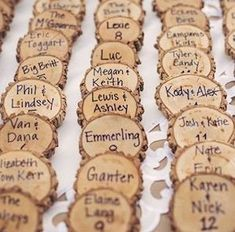 This is the best collection of rustic wedding ideas, featuring centerpieces, wedding cakes, aisle decor, wedding signs and much more! These rustic wedding ideas Pretty Wedding Cakes, Amazing Wedding Cakes, Wedding Cake Rustic, Wedding Cake Designs, Decor Wedding, Budget Wedding, Wedding Flowers, Wedding Reception, Reception Halls