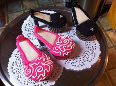 high-heeled shoes cupcakes High Heel Cupcakes, Shoe Cupcakes, Birthday Month, Birthday Ideas, Birthday Cakes For Women, Party Cakes, How To Make Cake, Yummy Cakes, Fondant