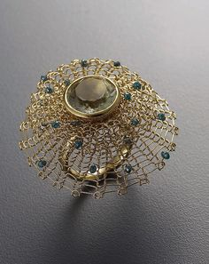 Ring 18k gold, green quartz, blue diamond beads Sowon joo