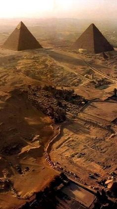 Chefren & Cheope, Giza, Egypt (by Blue Sky Travel Egypt on Flickr)