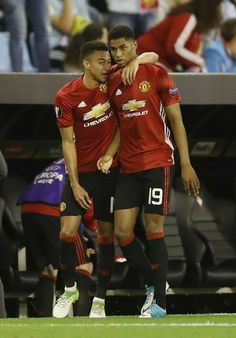 The future: Lingard, Rashford Cute Football Players, Football Is Life, Football Match, Soccer Players, Man Utd Fc, England Players, Jesse Lingard, Marcus Rashford, Sporting