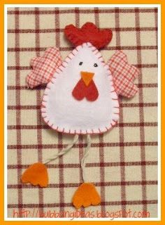 BUBBLING IDEAS: EASTER IS COMING.. Easter Crafts, Felt Crafts, Diy And Crafts, Crafts For Kids, Chicken Crafts, Chicken Art, Felt Christmas Ornaments, Christmas Crafts, Sewing Crafts