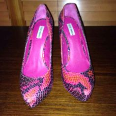 Steve Madden Pink Py… ($45) is on sale on Mercari, check it out! https://item.mercari.com/gl/m294226634/