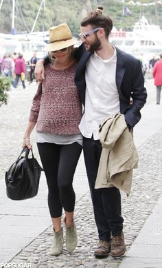 Sienna Miller Pregnant Pictures With Tom Sturridge in Italy Photo 8