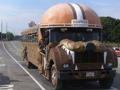 Cleveland Browns Helmet Bus (DumDog)