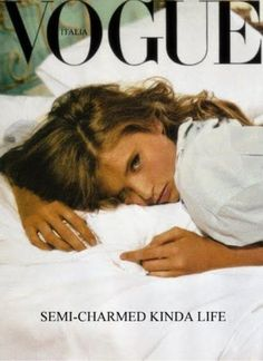 Find tips and tricks, amazing ideas for Vogue. Discover and try out new things about Vogue site Vogue Magazine Covers, Vogue Covers, Vogue Vintage, Foto Instagram, Foto Pose, Vogue India, Vogue Russia, Aesthetic Vintage, Belle Photo