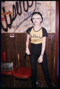 Debbie Harry at The Whiskey a Go-Go club on The Sunset Strip, 1977. (photos by Brad Elterman)