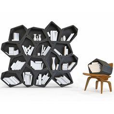 Criada por dois designers britânicos, a estante de formas orgânicas se adapta às suas necessidades e pode ser alterada a qualquer momento.