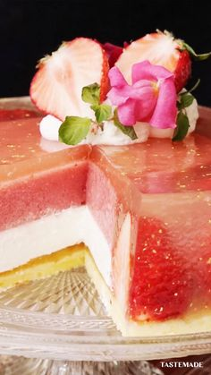 Jello Desserts, Dessert Recipes, Fancy Desserts, Christmas Desserts, Cake Recipes, Strawberry Jelly, Strawberry Drinks, Jelly Cake, Tasty