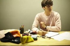 Jung Ii Woo, Cinderella And Four Knights, Flower Boys, Korean Actors, Writing, Reading, Eye Candy, Pink, Boys Over Flowers