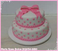 Maria Rosa Bolos: Bolo branco com poá rosa