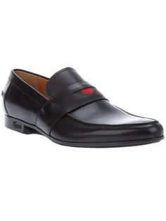 Gucci Leather Loafer in Black for Men.