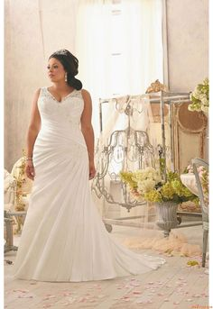 {Curvy Wedding Dress of the Week} Mori Lee ~ Julietta Spring 2014 Collection - The Pretty Pear Bride - Plus Size Bridal Magazine Second Wedding Dresses, Plus Size Wedding Gowns, Lace Wedding Dress, Bridal Dresses, Bridesmaid Dresses, Full Figure Wedding Dress, Wedding Dresses For Curvy Women, Dress Lace, Party Dresses