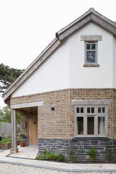 Woodmans Construction is the leading property renovation… Bungalow Exterior, Cottage Exterior, Modern Farmhouse Exterior, Dream House Exterior, Brick Cottage, Porch Extension, Brick Extension, Extension Plans, Brick Rendering