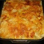 Картофель, печенный с грибами в сметанном соусе-2 Для приготовления блюда Картофель, печенный с грибами в сметанном соусе необходимы следующие ингредиенты: 1 кг картошки,