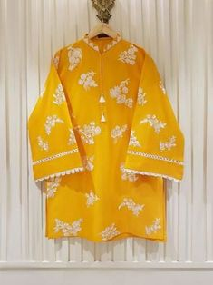 Stylish Dress Book, Stylish Dresses For Girls, Casual Dresses, Casual Wear, Fancy Dress Design, Stylish Dress Designs, Simple Pakistani Dresses, Pakistani Dress Design, Pakistani Frocks