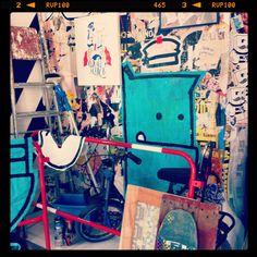 Street art d'intérieur : expo monstre bleu @empire (pau)