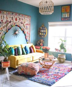 This multifaceted plan is splashed with superb leather giving a remarkable feel. You would feel right at home with this interior. This Moroccan format. Decor, Boho Furniture, Home Decor Inspiration, Interior, Eclectic Decor, Bohemian House Decor, Home Decor, Colourful Living Room, House Interior