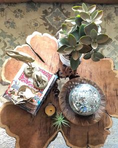 Current coffee table situation--a few favorites. . Happy hump day friends  . . . . . . . . . . . . . . . #bohoismyjam #interiorinspo #myhomevibe #theeverygirlathome #finditstyleit #pin #myOKLstyle #dslooking #dshome #SOdomino #abmathome #currentdesignsituation #designsponge #atmine #ggathome #anthropologie #bohemianhome #mybohoabode #mybohomestyle #bohodecor #bohohome #apartmenttherapy #thenewbohemians #foundforaged #thejungalow #jungalowstyle #homewithrue #eclecticdecor #eclectichome
