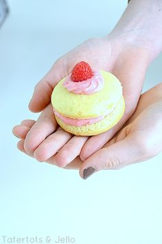 Lemon Whoopie Pies with Fresh Raspberry Filling! -- Tatertots and Jello