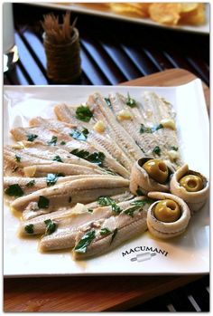 Anchovies in vinegar (hard white) Tapas Menu, Tapas Bar, Appetizer Recipes, Appetizers, Spanish Tapas, Canapes, Kfc, Sin Gluten, Seafood