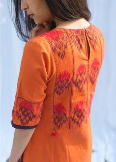 Silk Kurti Designs, Simple Kurta Designs, Salwar Designs, Kurta Designs Women, Neck Designs For Suits, Sleeves Designs For Dresses, Neckline Designs, Dress Neck Designs, Kurti Sleeves Design