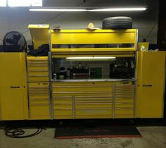 Tool Box Storage, Tool Rack, Garage Organization, Garage Tools, Car Tools, Garage Ideas, Mobile Workshop, Workshop Design, Strap Bikini