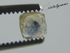 Cristal de saphir bicolore (léger jaune / bleu)