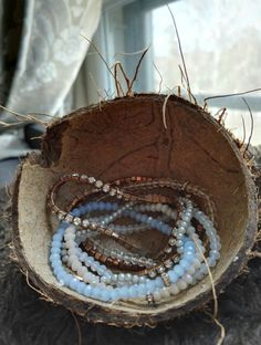 Coconut shell for organising your jewellery #natural #simple #coconut #jewellery