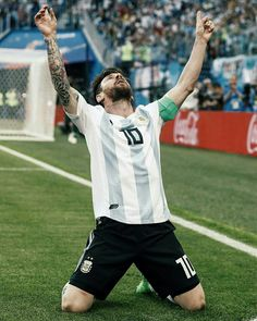 Lionel Messi of Argentina during the 2018 FIFA World Cup Russia group D match between Nigeria and Argentina at the Saint Petersburg Stadium on June 2018 in Saint Petersburg, Russia Fc Barcelona, Lionel Messi Barcelona, Messi Argentina, Messi And Neymar, Messi 10, Messi World Cup, Messi Poster, Cr7 Junior, Lionel Messi Wallpapers