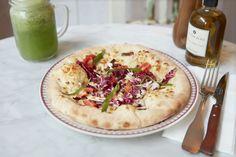 Amazing gluten free pizza at restaurant Gemini in Paris