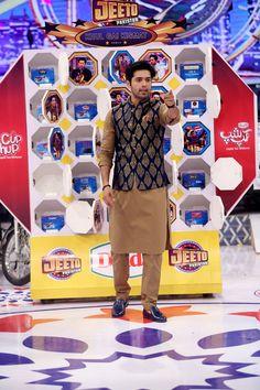 Fahad Mustafa (@fahadmustafa26) | Twitter Stylish Waistcoats, Stylish Mens Outfits, Indian Men Fashion, Mens Fashion Suits, Wedding Dress Men, Wedding Men, Waistcoat Men Wedding, Groom Outfit, Outfit Jeans
