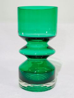 Excited to share this item from my shop: Riihimaki Bright Green Glass 1472 Vase designed by Tamara Aladin Vintage Mid Century Modern Scandinavian Finnish Glass Green Vase, Grey Glass, Modern Glass, Retro Christmas, Retro Art, Bright Green, Glass Design, Icon Design, Scandinavian