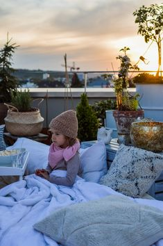 Rooftop Cinema - fork and flower Summer Activities For Kids, Summer Kids, Cinema Experience, Go To The Cinema, Outdoor Cinema, This Girl Can, Kids Party Themes, New Chic, Home Cinemas