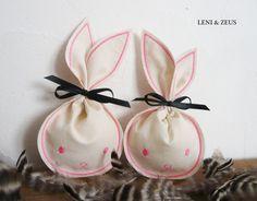 Zwei Hasenbeutelchen  Hasenbeutel  Osternest made by  LENI und  ZEUS  via DaWanda.com