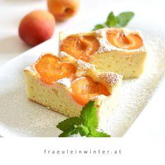 Marillenzeit ist Kuchenzeit! ❤️❤️❤️ . . Frisch gebackener Marillenkuchen für den Nachmittagskaffee. So gut!!! . . #marillenzeit #marillenkuchen #marille #wachauermarille #allesmarille #aprikosen #aprikosenkuchen #selberbacken #backenmitliebe #kuchenzeit #kaffeeundkuchen #genussmomente #homemadecake #apricottart #apricotcake #soulfood #backenmachtglücklich #selbermachen #kuchenbacken #obstkuchen #ausmeinerküche #frommykitchen #austrianblogger #igersaustria #fraeuleinwinter Cheesecake, Desserts, Handmade, Diy, Food, Do It Yourself Ideas, Fruit Cakes, Fresh, Make Your Own
