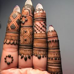 Henna Design Hands - The Wedding Hut Latest Finger Mehndi Designs, Palm Henna Designs, Palm Mehndi Design, Basic Mehndi Designs, Mehndi Designs For Girls, Mehndi Design Photos, Mehndi Designs For Fingers, Dulhan Mehndi Designs, Latest Mehndi Designs