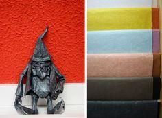 En el ZOOgráfico tenemos la suerte de recibir visitas de seres maravillosos, como este gnomo tan majo realizado con papel de seda con fibras por Gus Figueroa. ¡Una de las muchas aplicaciones de este papel tan especial! #Zoográfico #Origami #Papiroflexia #Craft #DIY #Pepelesespeciales #Papel