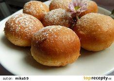 Masopustní koblihy od babičky recept - TopRecepty.cz Carrot Cake, Hamburger, Carrots, Cake Recipes, Bakery, Bread, Cooking, Sweet, Food