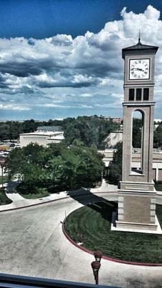 A filter but wonderful view! College Campus, College Life, Sigma Alpha Pi, Colleges, Big Ben, Filter, University, Future, Building