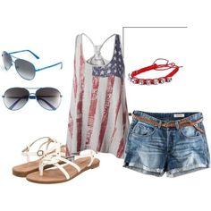 july 4th outfit (via Truly fashion, simply stylish | iFashionsBlog.com i Fashion Blog)