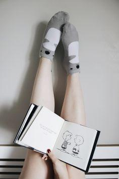 UM PRESENTE ESPECIAL: PEANUTS GUIDE TO LIFE  https://melinasouza.com/2017/12/01/um-presente-especial-peanuts-guide-to-life/  #Books  #livros  #MelinaSouza  #Serendipity  #socks  #meias  #coala