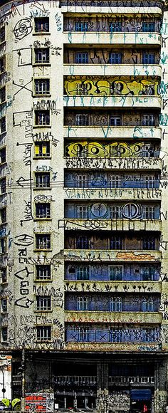 City Original:This building is beside the infamous São Vito and Mercúrio building in São Paulo, by Jim Skea Murals Street Art, Street Art Graffiti, Abandoned Buildings, Abandoned Places, Graffiti Tagging, Yarn Bombing, Urban Landscape, Banksy, Public Art