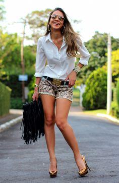 #fashion #fashionista Vanessa bianco fantasia Camisa e shorts jeans | Decor e Salto Alto