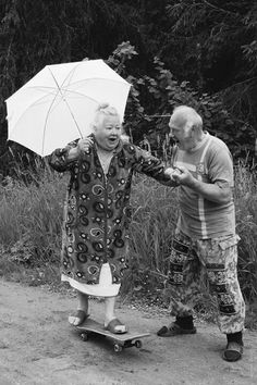 35 Photos of Cute Old Couples That Will Give You the Ultimate Relationship Goals! - stopmotion _sets - 35 Photos of Cute Old Couples That Will Give You the Ultimate - Photos Vintage, Old Photos, Old Pics, Crazy Photos, Happy Photos, Old Pictures, Vintage Art, Vintage Photography, Art Photography