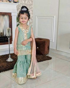 Korean Fashion, Kids Fashion, Girls Frock Design, Kids Suits, Frocks For Girls, Flower Girl Dresses, Girls Dresses, Kind Mode, Kids Wear