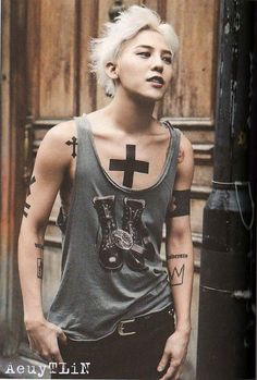G Dragon Wallpaper And Photo Collection. G Dragon Is One Of The Most Popular And Famous Kpop Singer, Dance, Rapper, Produser, entrepreneur. Daesung, Gd Bigbang, Big Bang, Bigbang G Dragon, Asian Boys, Asian Men, K Pop, Wallpaper Collection, G Dragon Top