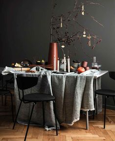 Living Room Scandinavian Christmas - In the Mood for Christmas Inspiration from Danish Brand ferm LIVING Home Upgrades, Scandinavian Style, Scandinavian Christmas Decorations, Holiday Decor, Design Bestseller, Farmhouse Side Table, Ornaments Design, Nordic Design, Decoration Table
