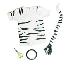 All it takes is a little bit of duct… Safari: Super easy DIY zebra/tiger costume! All it takes is a little bit of ducttape, a pair of scissors, and a colored t-shirt. Animal Costumes For Kids, Diy Halloween Costumes For Kids, Diy Costumes, Zebra Halloween Costume, Dance Costumes, Jungle Costume, Safari Costume, Diy Tiger Costume, Meme Costume