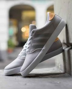Adidas adi M.C. Low